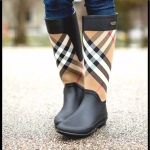Authentic Burberry House check Rain Boots